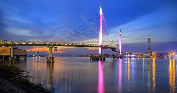 Jembatan Getala Arasy Icon Kota Jambi