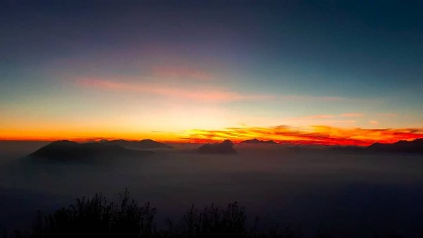 sunrise Gunung Panderman