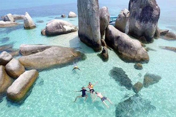 Pantai Batu Berlayar, Pantai Keren di Pulau Belitung