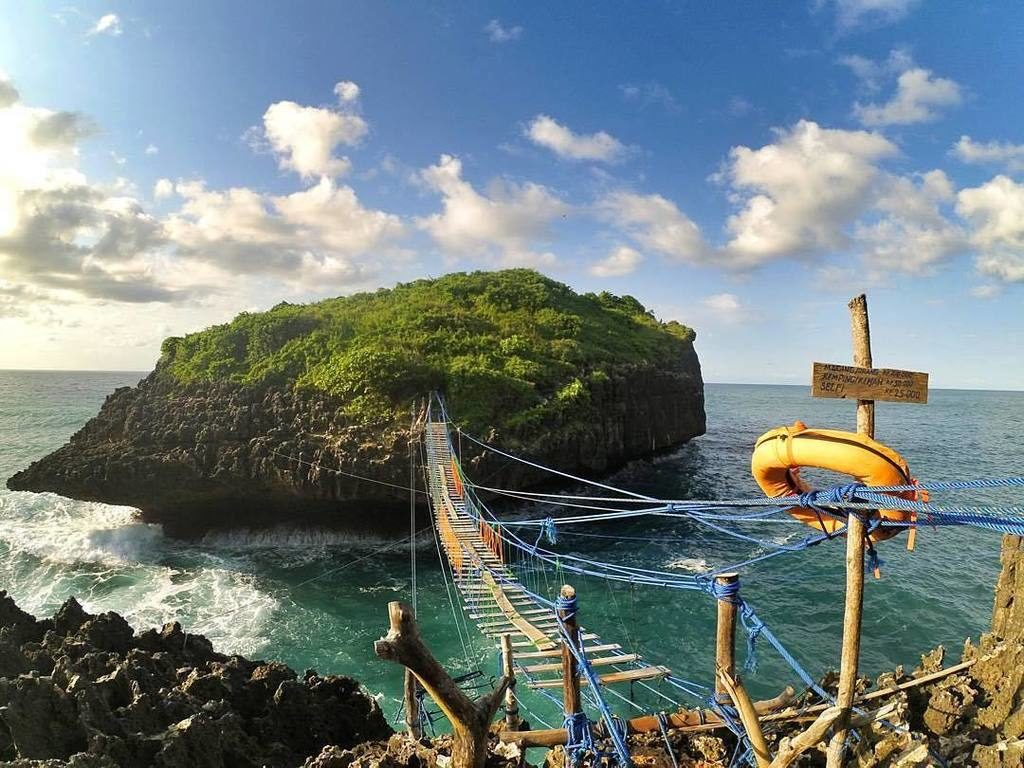 Kereta Gantung Pulau Kalong