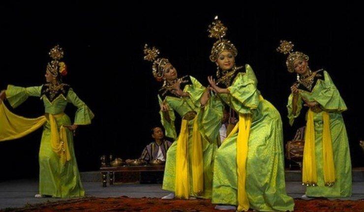 Tarian Gamelan Riau