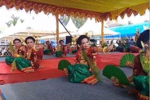6 Tari Tradisional Sulawesi Barat 5