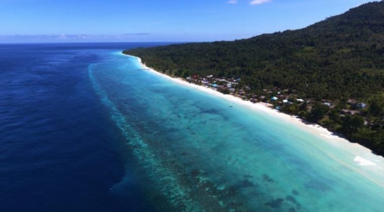 Tanjung Waka, Salah satu tempat wisata di Sanana, Kepulauan Sula, Maluku Utara