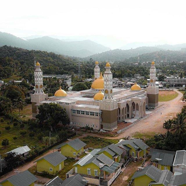 Mesjid Agung Baitul Ghafur Aceh Barat Daya