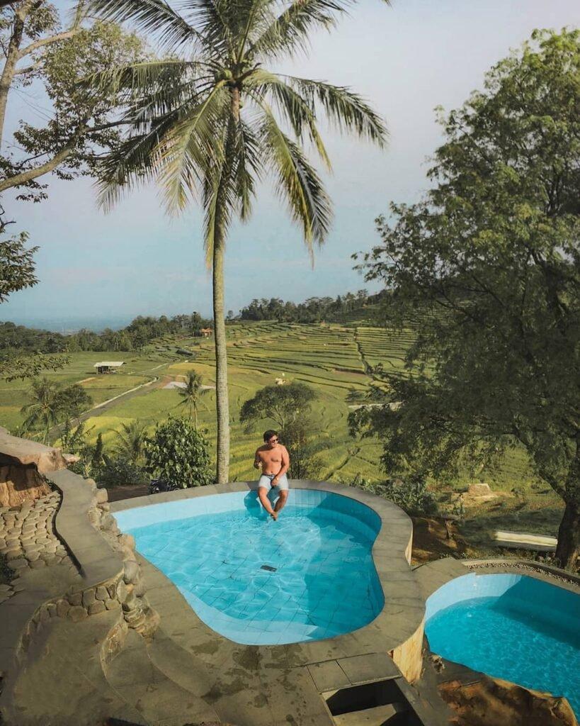 kolam renang di Villa Ciboer Pass Bantaragung